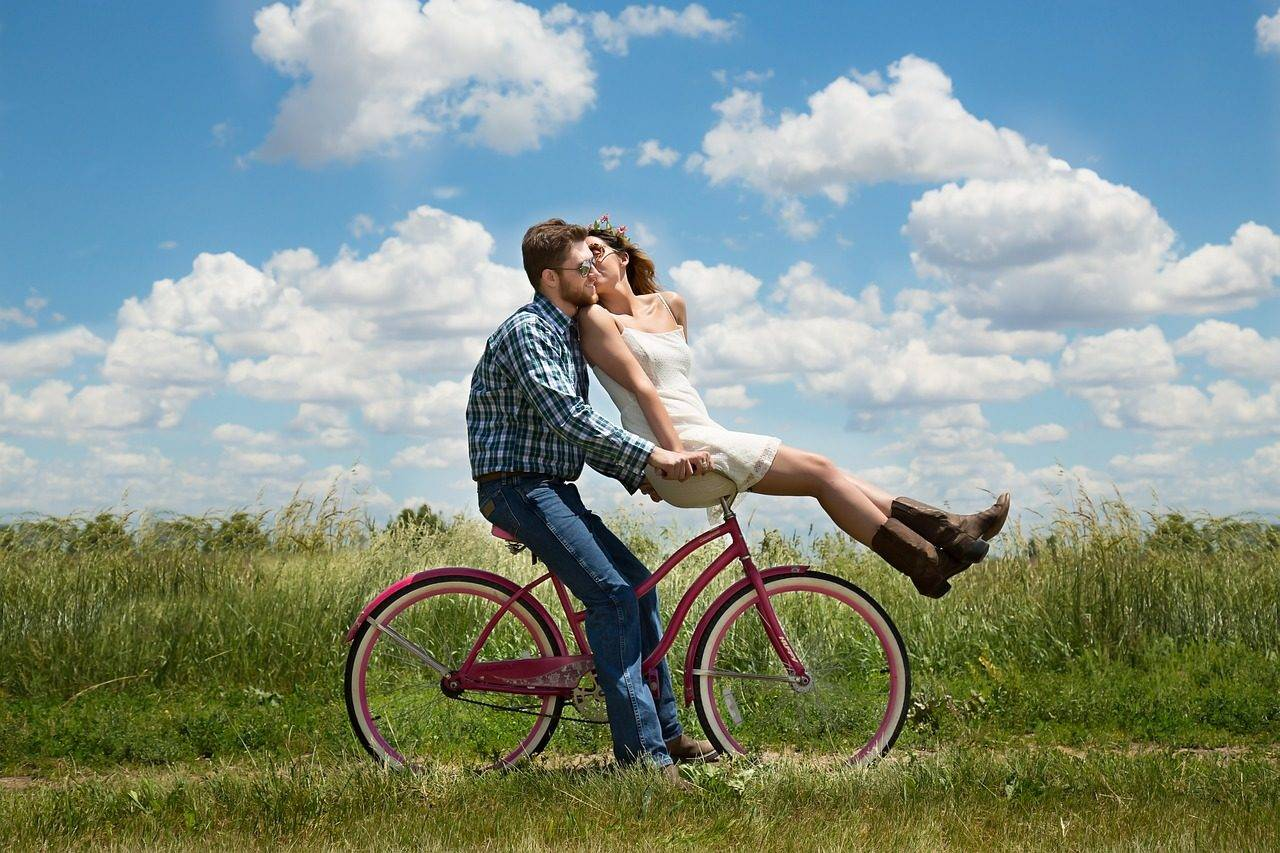 romance-bike-love-anglesey-silver-bay-holiday-village-north-wales-1280x853.jpg