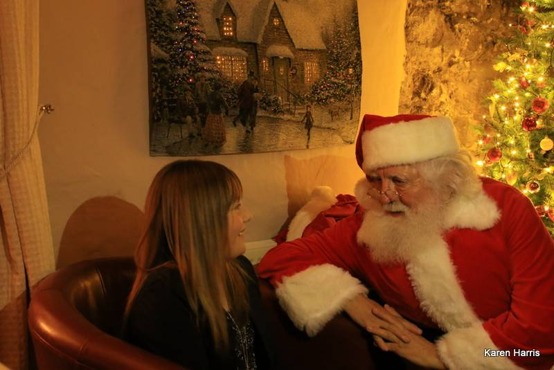 silver-bay-holiday-village-anglesey-seasonal-events-christmas-santa-girl.jpg