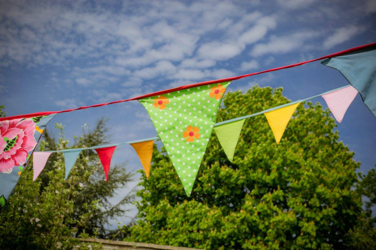 summer-bunting-for-a-bbq-at-silver-bay-holiday-village-anglesey-1280x853.jpg