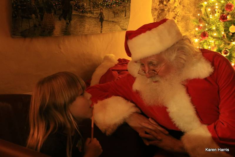 silver-bay-holiday-village-anglesey-seasonal-events-little-child-santa.jpg
