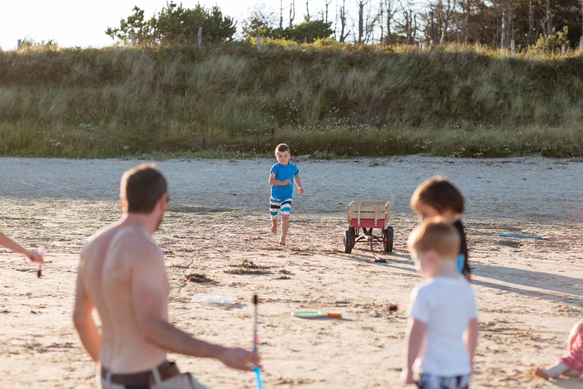 silver-bay-holiday-village-anglesey-busy-bayers-running-boy-beach-fun