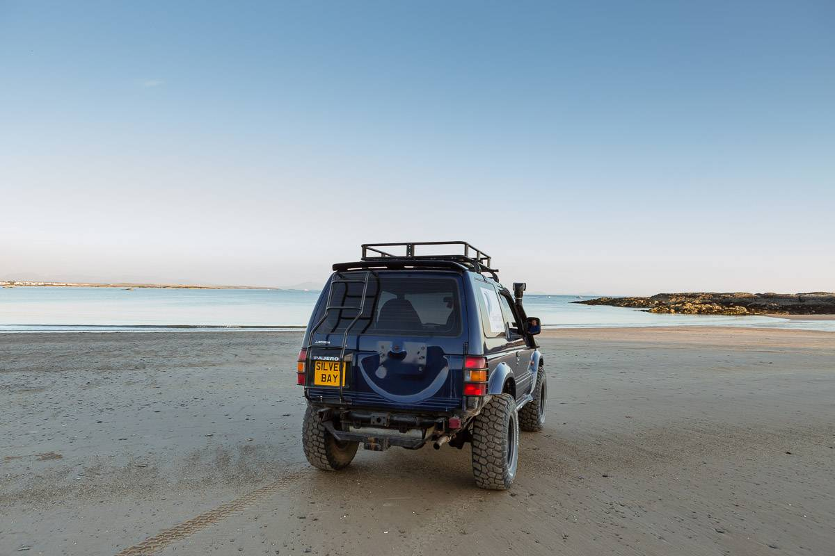 silver-bay-holiday-village-anglesey-land-rover-beach