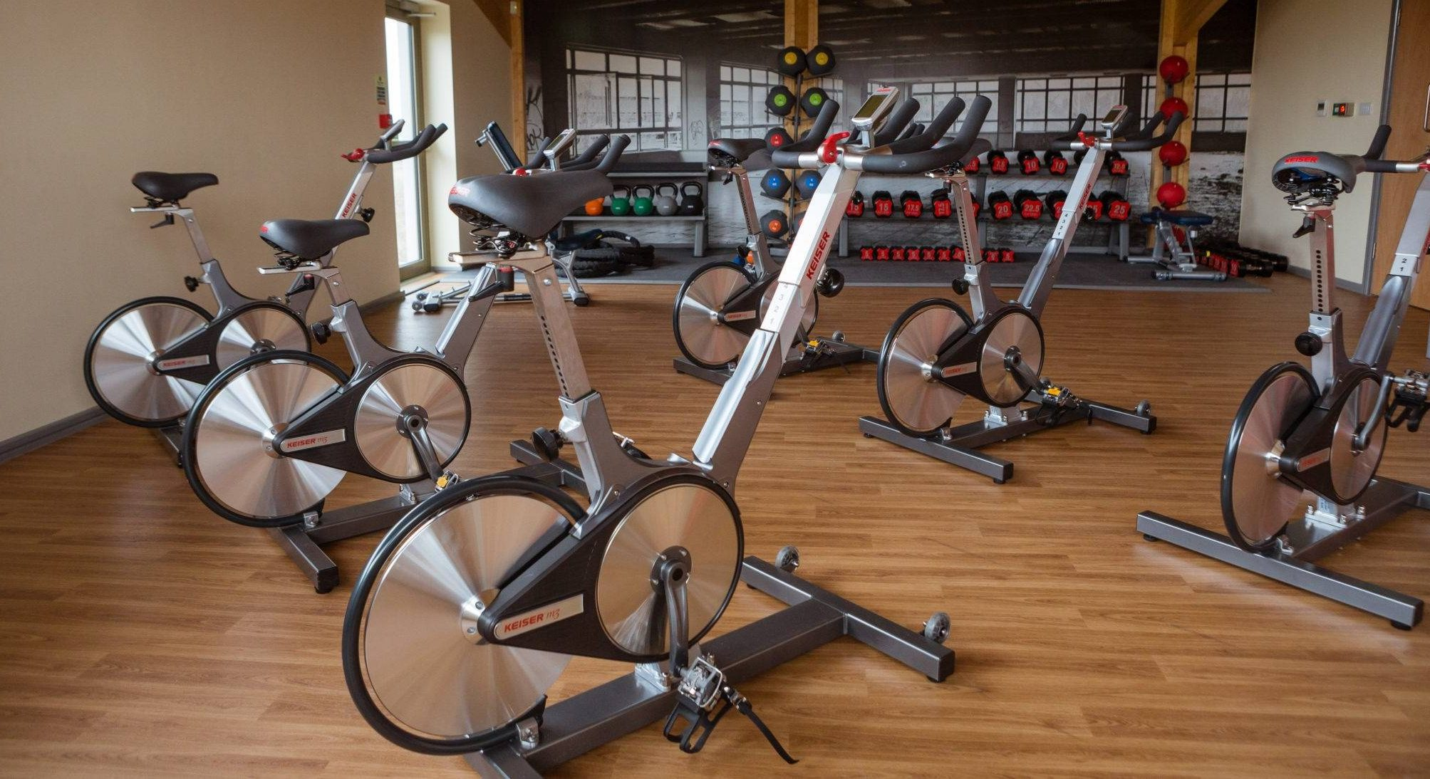 https://silverbay.co.uk/wp-content/uploads/2016/12/silver-bay-holiday-village-anglesey-spa-and-leisure-spinning-bikes-gym-e1616088151787.jpg
