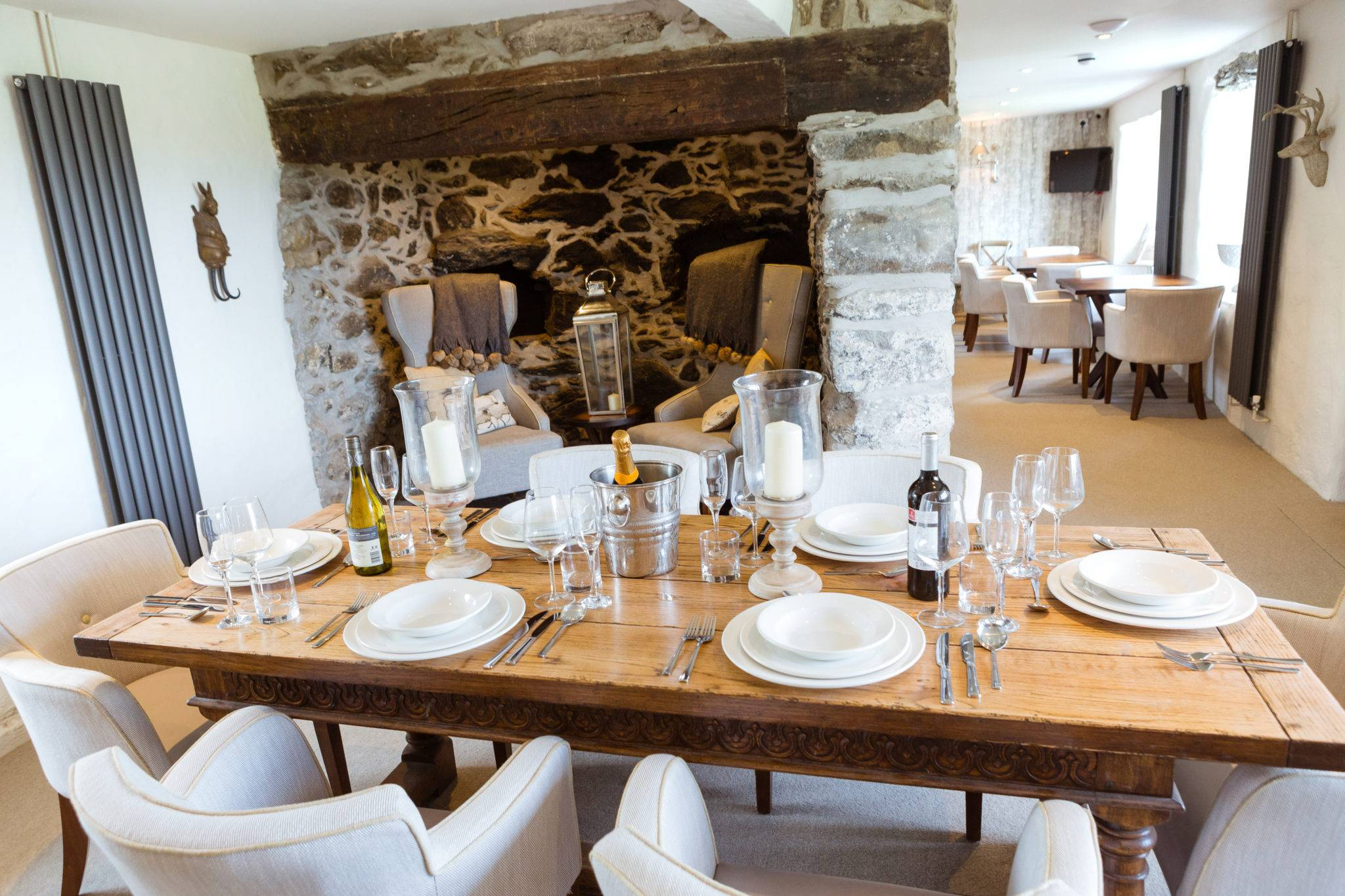 silver-bay-holiday-village-anglesey-the-deck house-farmhouse-private-dining