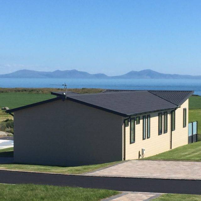 http://silverbay.co.uk/wp-content/uploads/2016/12/silver-bay-holiday-village-luxury-lodges-anglesey-headland-rise-beautiful-views-640x640.jpg