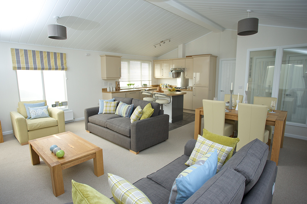http://silverbay.co.uk/wp-content/uploads/2016/12/silver-bay-holiday-village-luxury-lodges-anglesey-marram-grass.jpg