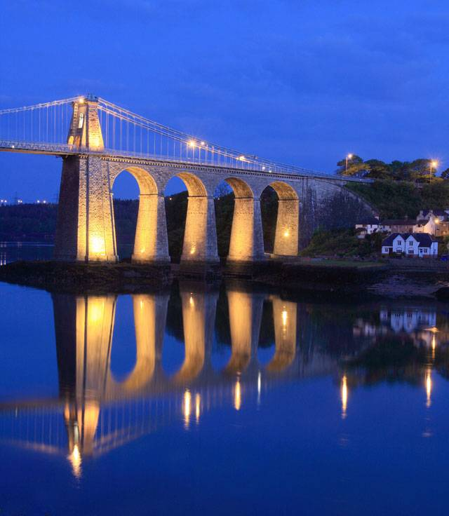 silver-bay-holiday-village-luxury-lodges-anglesey-menai-bridge-night