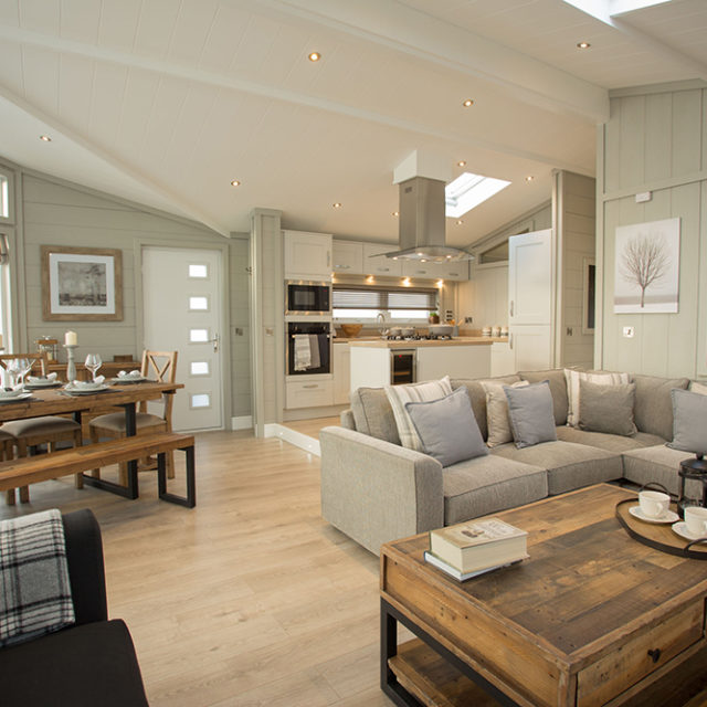 http://silverbay.co.uk/wp-content/uploads/2016/12/silverbay-holiday-village-luxury-lodges-anglesey-oyster-catcher-640x640.jpg