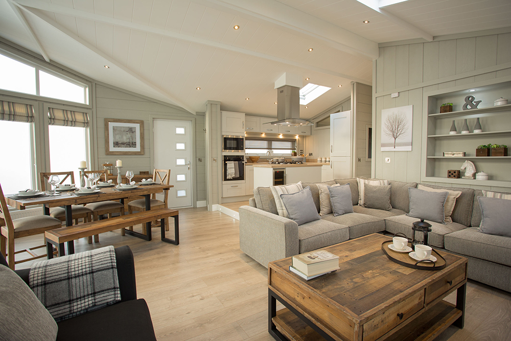 http://silverbay.co.uk/wp-content/uploads/2016/12/silverbay-holiday-village-luxury-lodges-anglesey-oyster-catcher.jpg