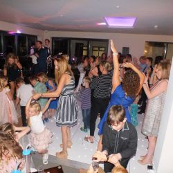 silver-bay-holiday-village-anglesey-seasonal-events-dance-to-the-music