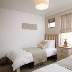 The Plantation Luxury Holiday Lodge at Silver Bay - Twin bedroom