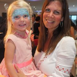 silver-bay-holiday-village-anglesey-busy-bayers-face-painting