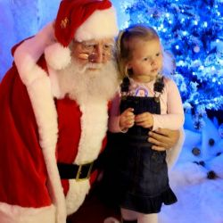 silver-bay-holiday-village-anglesey-father-christmas-busy-bayers