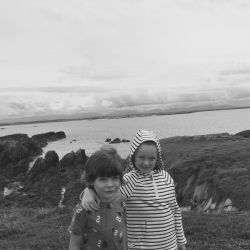 silver-bay-holiday-village-anglesey-siblings-beach