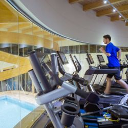 silver-bay-holiday-village-anglesey-spa-and-leisure-treadmill-running
