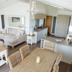silver-bay-holiday-village-luxury-lodges-anglesey-dining-area