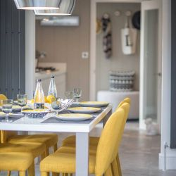 silver-bay-holiday-village-luxury-lodges-anglesey-lookout-dining-area